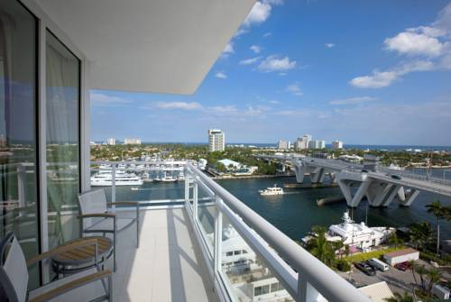 Intracoastal View Room w/ Balcony