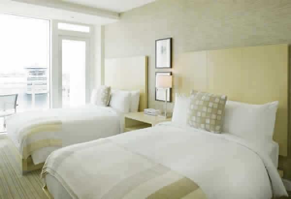 hilton-ftlauderdale-hotel-GUESTROOM